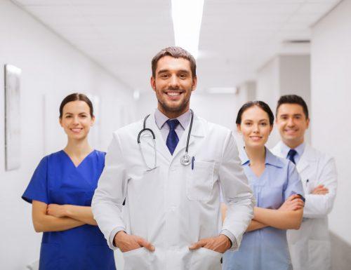 Equità delle retribuzioni e svilimento della professione, la denuncia dei medici per difendere la propria dignità