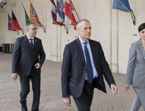 Il Capo dello Stato riceve il presidente incaricato Carlo Cottarelli. Appuntamento alle 16:30