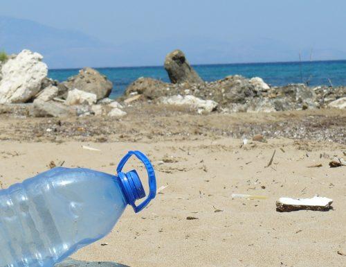 Giornata mondiale dell'ambiente, ogni minuto nel mondo vengono acquistate circa 1mln di bottiglie di plastica