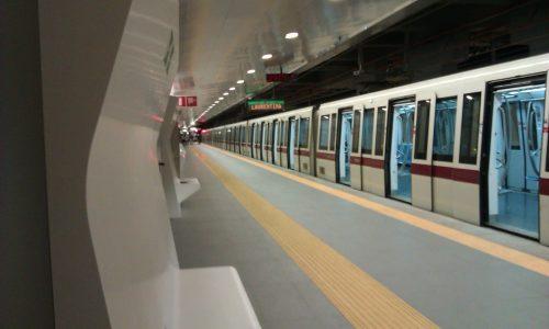 Roma, ferocia sulla metro: rom picchiata selvaggiamente per un tentato furto