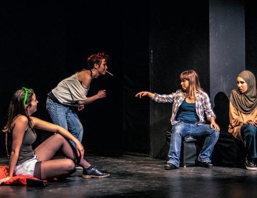 """""""Parolacce Sottovoce"""", uno spettacolo su integrazione e adolescenza"""