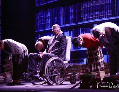 """""""Il Fu Mattia Pascal"""", al Teatro Marconi le maschere e il doppio che abita dentro ognuno di noi."""