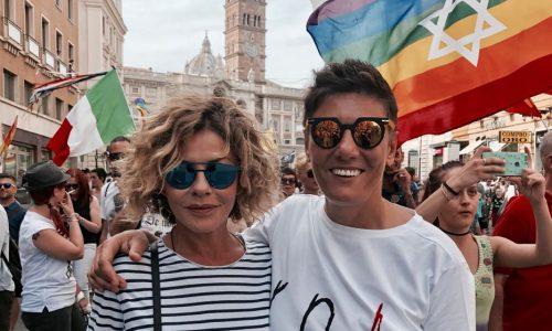 Eva Grimaldi e Imma Battaglia si sposano. Enzo Miccio guida l'Unione