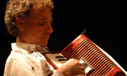 Napoli Teatro Festival Italia: il poeta Juan Carlos Mestre all'anteprima della Sezione Letteratura