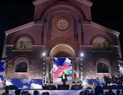 """""""Una voce per Padre Pio"""", su Rai1 una serata di spettacolo e spiritualità condotta da Flavio Insinna"""