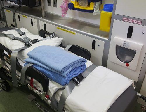 Catanzaro, muore a venti metri dall'ospedale per l'ambulanza che non arriva