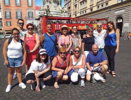 """""""Un posto al sole"""", la potenza di una soap opera che crea turismo e amicizia. A Napoli l'incontro tra fans"""