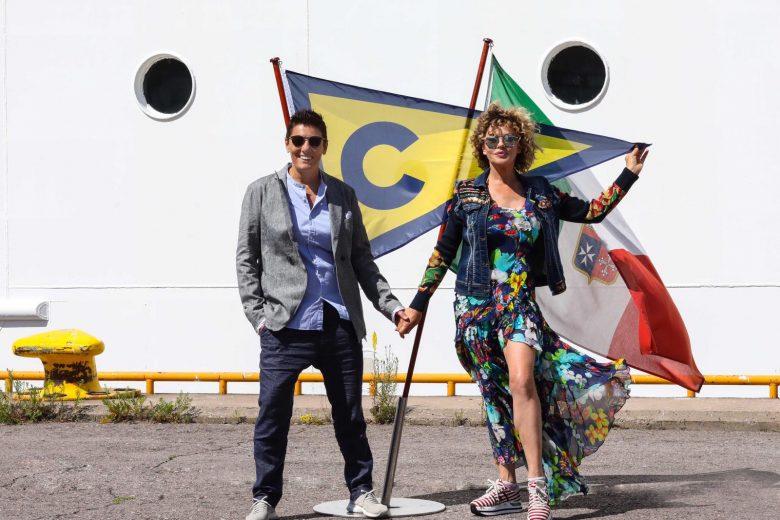 """""""Navigheremo a vele spiegate, spinte dal vento dell'Amore"""". Alcune foto del viaggio di nozze di Eva Grimaldi e Imma Battaglia"""