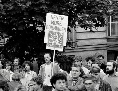"""Al Museo di Roma in Trastevere la mostra fotografica """"1989: RIVOLUZIONE DI VELLUTO. 30 anni della libertà cecoslovacca"""""""