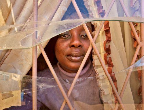 """Giornata contro la violenza sulle donne, mostra MSF: """"Violenza al Platino"""", Dalle miniere sudafricane ai contesti di guerra"""