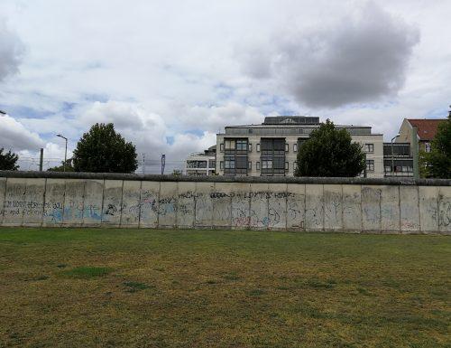 """""""Berlin HANDSHAPE"""",  un progetto artistico che celebra i 30 anni dalla caduta del Muro"""