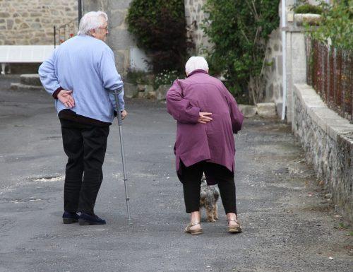 UNC, anziani: bollette energetiche e telefonia i settori in cui chiedono più aiuto