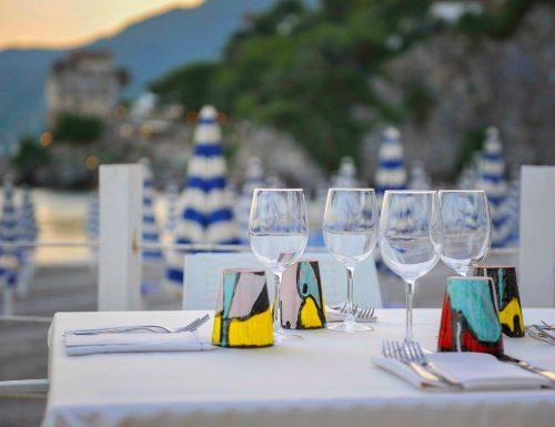 """""""VinorossoAmmare"""", la serata in riva al mare tra Vietri e Salerno per ripartire con gusto"""