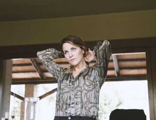 "Miriam Foresti, il videoclip di ""Poor Mum"""