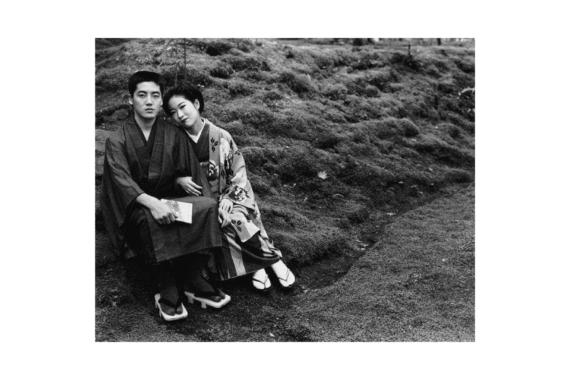 "Nobuyoshi Araki arriva in Italia con 1.000 Polaroid per ""Suite of Love"""