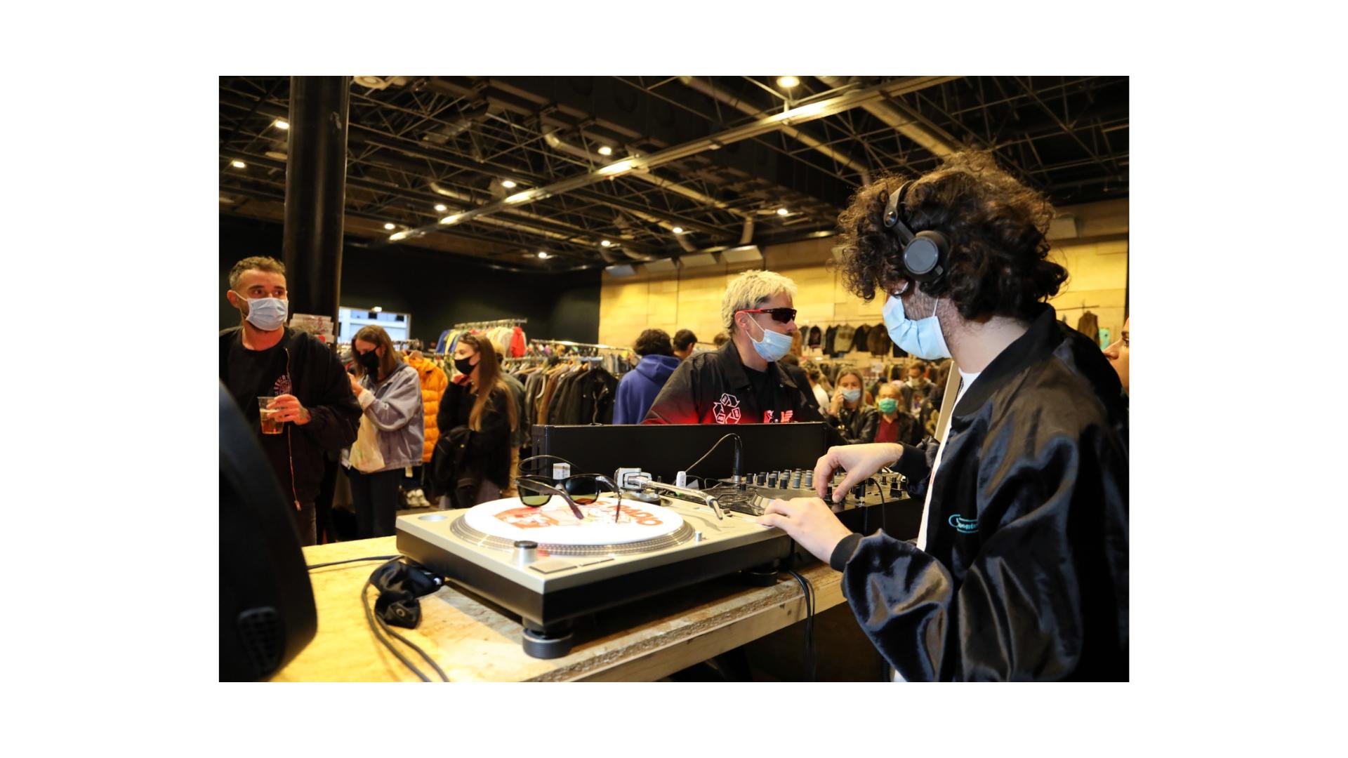 """East Market,""""playlEAST"""": tutti possono diventare DJ per un giorno"""